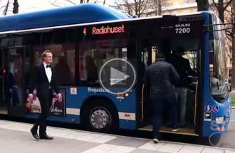 Els prejudicis entre rics i pobres per pujar en un autobús de Suècia