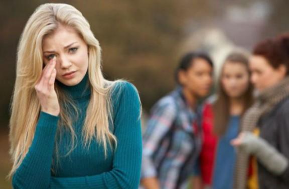 5 famosos que van patir bullying quan eren adolescents