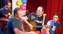 El David Fernàndez real agafa la guitarra i s'acomiada del Polònia