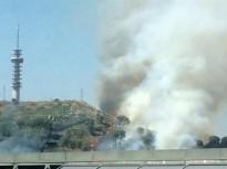 Els Bombers deactiven una trentena de dotacions per un incendi a Girona