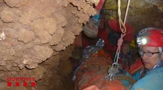 Donat d'alta l'espeleòleg ferit en una cova a Serradell
