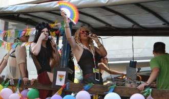 La Pride Parade, molta gresca però massa calor