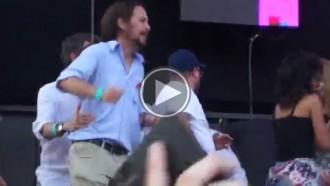 Vés a: Pablo Iglesias balla Alaska a la manifestació LGTBI fent la conga