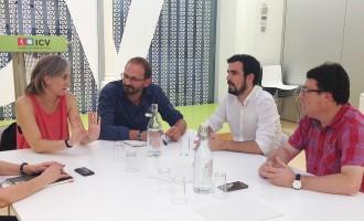 Vés a: IU beneeix la República catalana