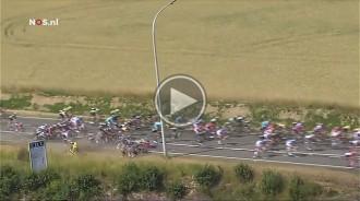 Vés a: Espectacular caiguda a la tercera etapa del Tour