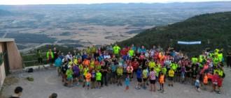 Més de 150 senderistes participen a la caminada nocturna a Miramar