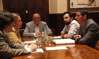 Vés a: Les eleccions plebiscitàries, amb llei espanyola