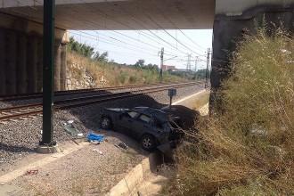 Vés a: Un cotxe cau a les vies de l'AVE a Riudarenes, a la Selva
