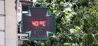 Més de quaranta graus de temperatura en un dimarts infernal