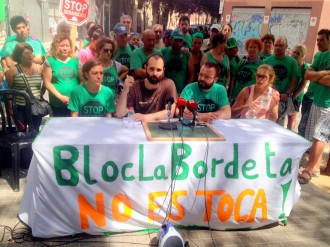 La PAH es planta contra l'ordre de desallotjament d'un bloc ocupat