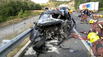 Un veí de Manlleu mor a Bracons en un xoc frontal entre un cotxe i un camió