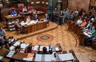 A quatre vots de l'adhesió de Barcelona a l'AMI