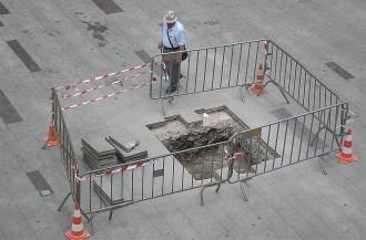 Ripoll inicia la deconstrucció de la plaça Sant Eudald per encabir-hi el banc