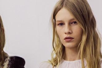 Critiquen una model de Dior que té 14 anys per ensenyar els pits