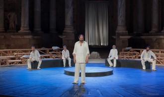 Vés a: Josep Maria Pou i Mario Gas porten a escena el judici d'Atenes a Sòcrates