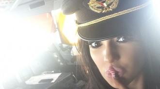Un pilot d'avió, investigat per convidar una noia Playboy a la cabina