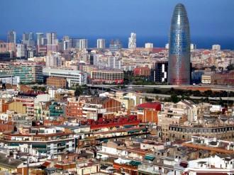 Colau permetrà finalment l'hotel de luxe de la Torre Agbar