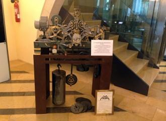Restauren el mecanisme de l'antic rellotge de la Torre de Camprodon