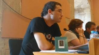 A Torredembarra redueixen Felip VI a mida de carnet