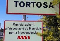 Tortosa instal·la plaques per acreditar la seua adhesió a l'AMI