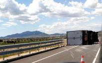 Bolca un camió a l'Aldea i l'N-340 suma un nou accident