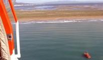 Salvat un veler amb quatre tripulants embarrancat al Delta