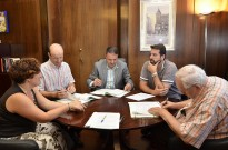 El Club Natació Minorisa signa el conveni per usar les piscines