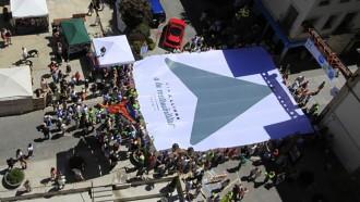 Un punter humà per obrir Via Lliure a la sostenibilitat, campanya de l'ANC a Puigcerdà