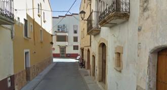 Tanquen tres carrers a la Riera per afavorir la terrassa d'un local