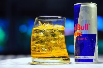 Una noia perd la vista després de beure 28 Red Bulls cada dia