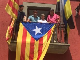 Polèmica per l'estelada al balcó de l'Ajuntament de Sant Hipòlit