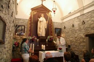 La capella de Sant Bernat llueix un nou altar