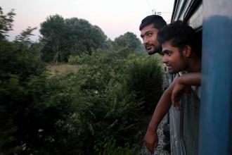 Vés a: Un tren per portar els refugiats d'una frontera a la següent
