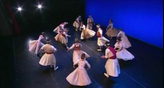 L'Esbart Dansaire de Mollet porta «Quan el mal ve d'Almansa» a Palau