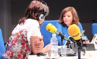 Vés a: Sáenz de Santamaría beneeix la carta de Felipe González