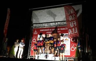 L'equip femení del CN Vic, tercer al campionat d'Espanya de Triatló