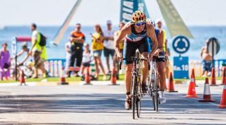 Altafulla es posa a prova per acollir el triatló de Tarragona 2017
