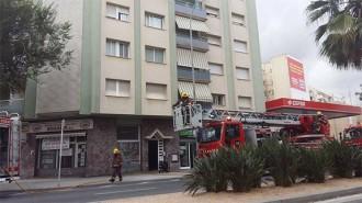 Crema un primer pis a l'avinguda President Macià de Reus