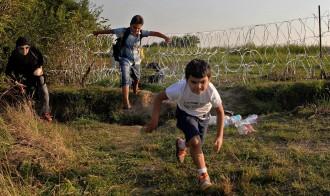 Els refugiats, atrapats a Hongria mentre continuen les negociacions a la UE