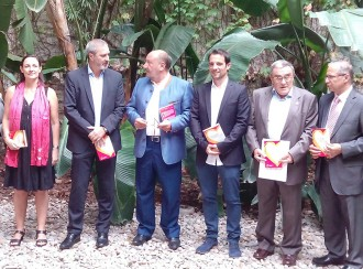 Àngel Ros apadrina un llibre que insulta el president Artur Mas
