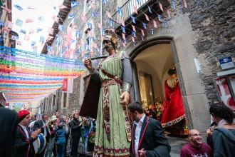 Vés a: La pluja aigualeix l'inici de les Festes del Tura d'Olot