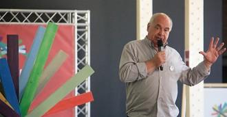 Vés a: Lluís Rabell demana «esbandir» els representants polítics corruptes