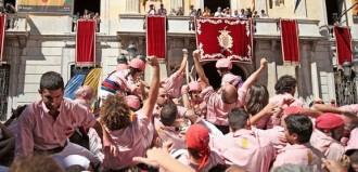 Santa Tecla ja espera les quatre colles castelleres de Tarragona