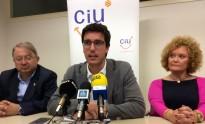 CiU critica Ros per manar a cop de decret i el veu com un «vassall» de C's