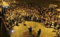 FOTOS Centenars d'osonencs mostren el seu suport als imputats per organitzar el 9-N