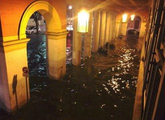 Disset morts i diversos desapareguts per les inundacions a la Costa Blava francesa
