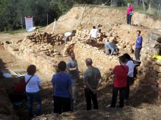 Reprenen les excavacions arqueològiques al jaciment ibèric de Mas Castellar de Pontós