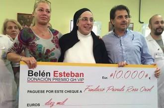Belén Esteban dóna 10.000 euros a la Fundació Rosa Oriol
