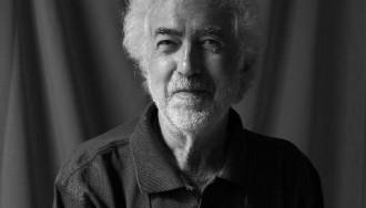 Jordi Cussà acomiada l'escenògraf Àlvar Ymbernon, col·laborador d'Anònim Teatre