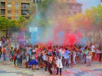 Solsona esclata en colors de solidaritat